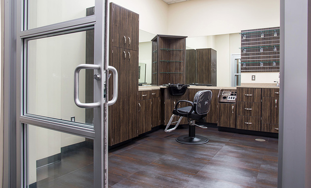 Are you ready to have the freedom to customize your salon, create your own schedule, set your own prices and keep 100% of the profits -- all while avoiding salon politics and drama? If so, we have the perfect studio space to fit your needs!