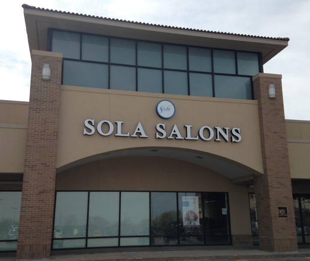The Shoppes At Three Fountains In West Des Moines Iowa Sola Salon