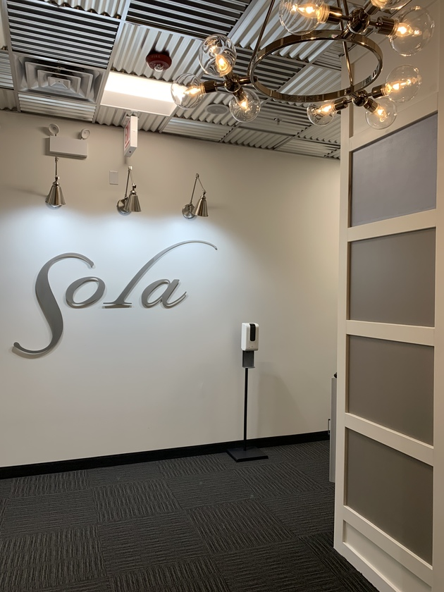 salon studio for rent in downtown elmhurst il . best salon suites for rent, hair salon room for rent.