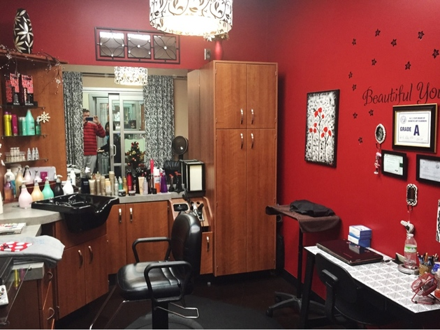 Bright red room decorated to the stylist