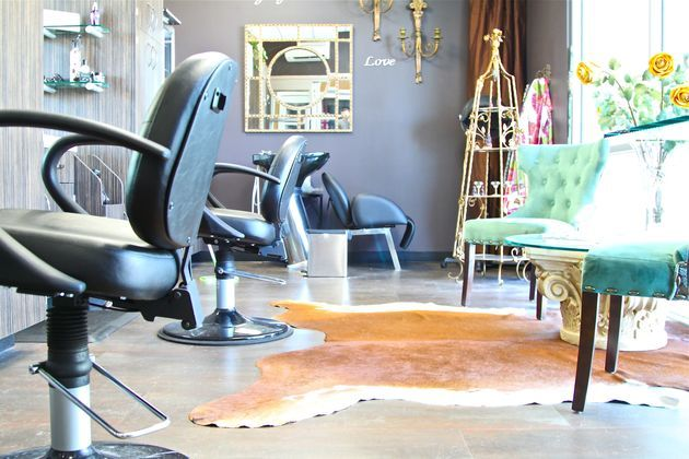 Beautifully and calmly decorated single salon studio equipped with windows, sink, and storage