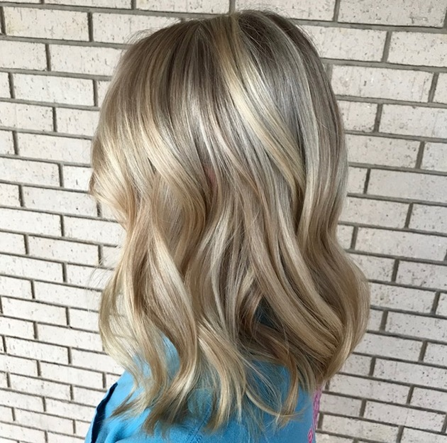 blonde hair, balayage, salon studio