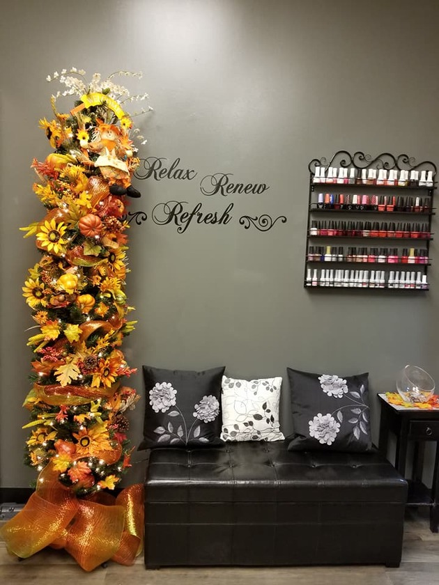 nail technician, fall decorations, nail studio, studio salon